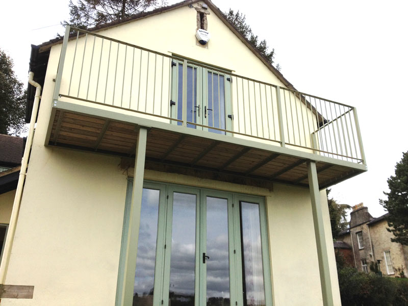 Steel fabricated balcony stroud railings for Metal balcony